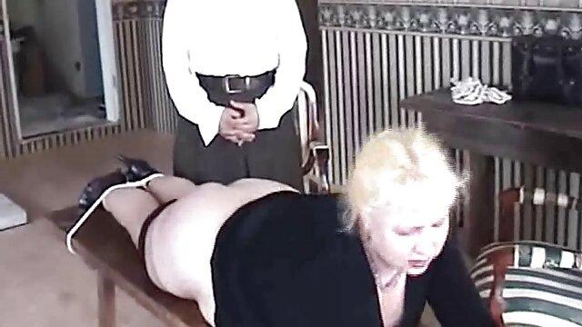 Anak itu menghabisi ibu yang dewasa nyepong 3gp dan bercinta dengan pria kulit hitam dengan penis yang panjang.