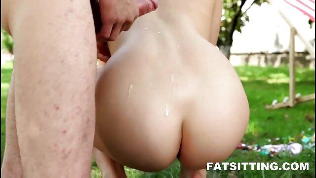 Anime three-dimensi nyepong sampai muncrat cutie gets her tits diinjak-injak