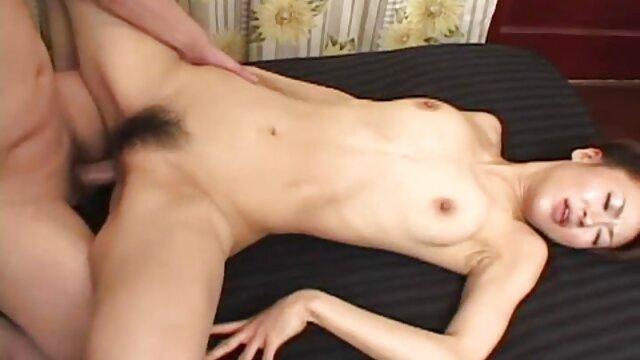 Shy nymphomaniac dengan penis video nyepong crot palsu.
