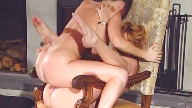 Sunlustxxx sebagai bintang film dewasa nyepong kontol pacar dalam godaan lesbian erotis