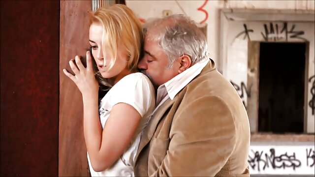 Gadis sexy donk Eva Livia video bokep tante nyepong rel Kapten meat pole