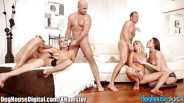 Sexy Platina video jilbab nyepong kontol pirang Stevie Shae Cocks Cumshot dan Railing older Stud